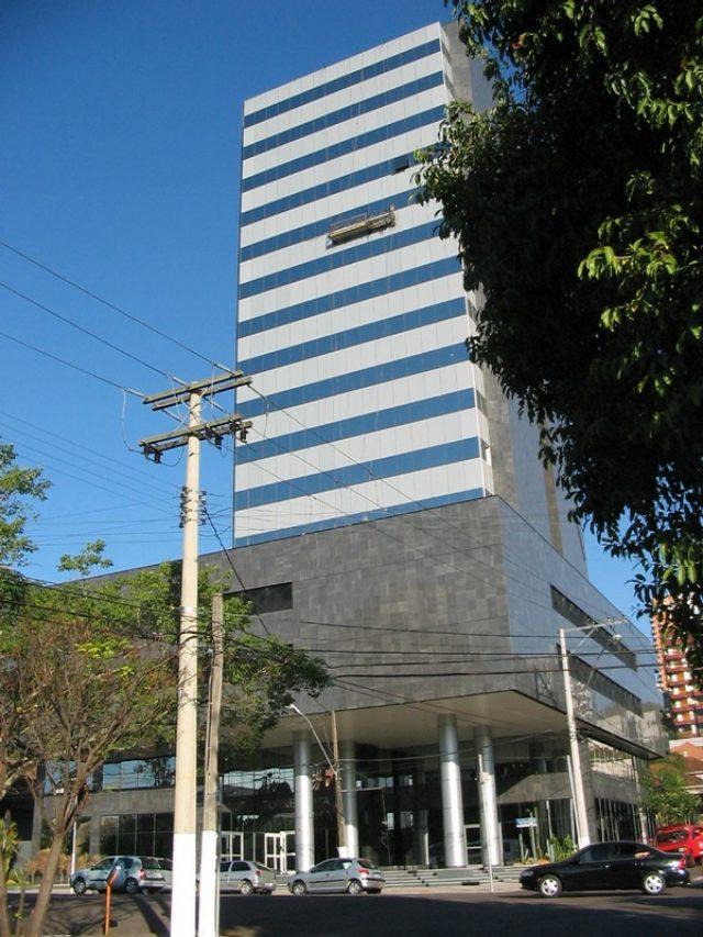 Centro Executivo Torre Prata